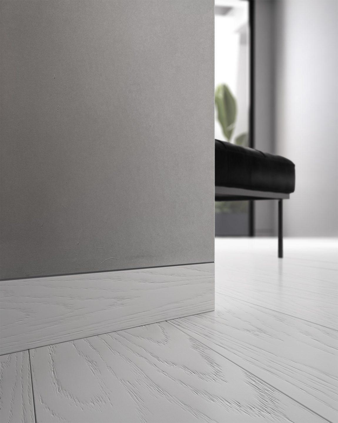 Battiscopa filo muro in legno bianco - Garofoli