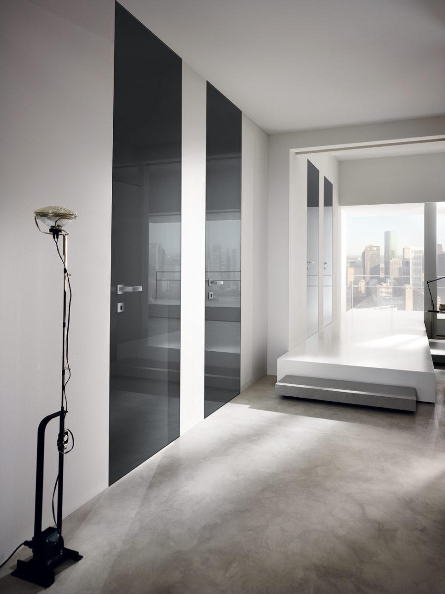 Porte raso parete laccate lucide grigie - Gidea