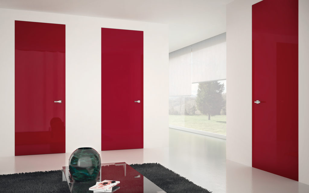 Porte rosse a filo muro