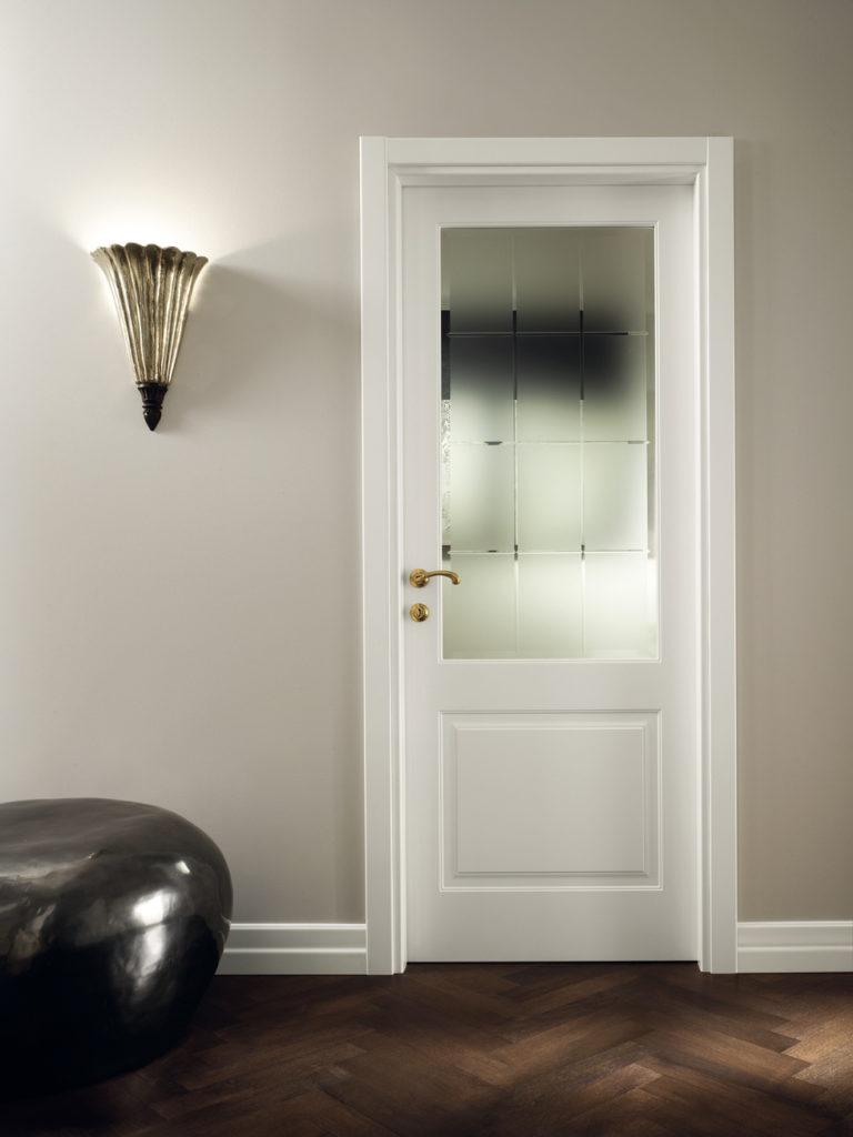 Porta laccata bianca con vetro satinato
