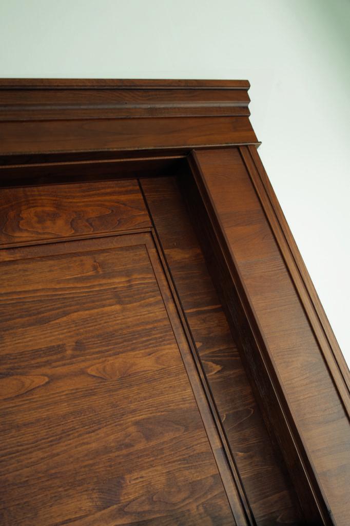 Porta in legno stile classico Arca