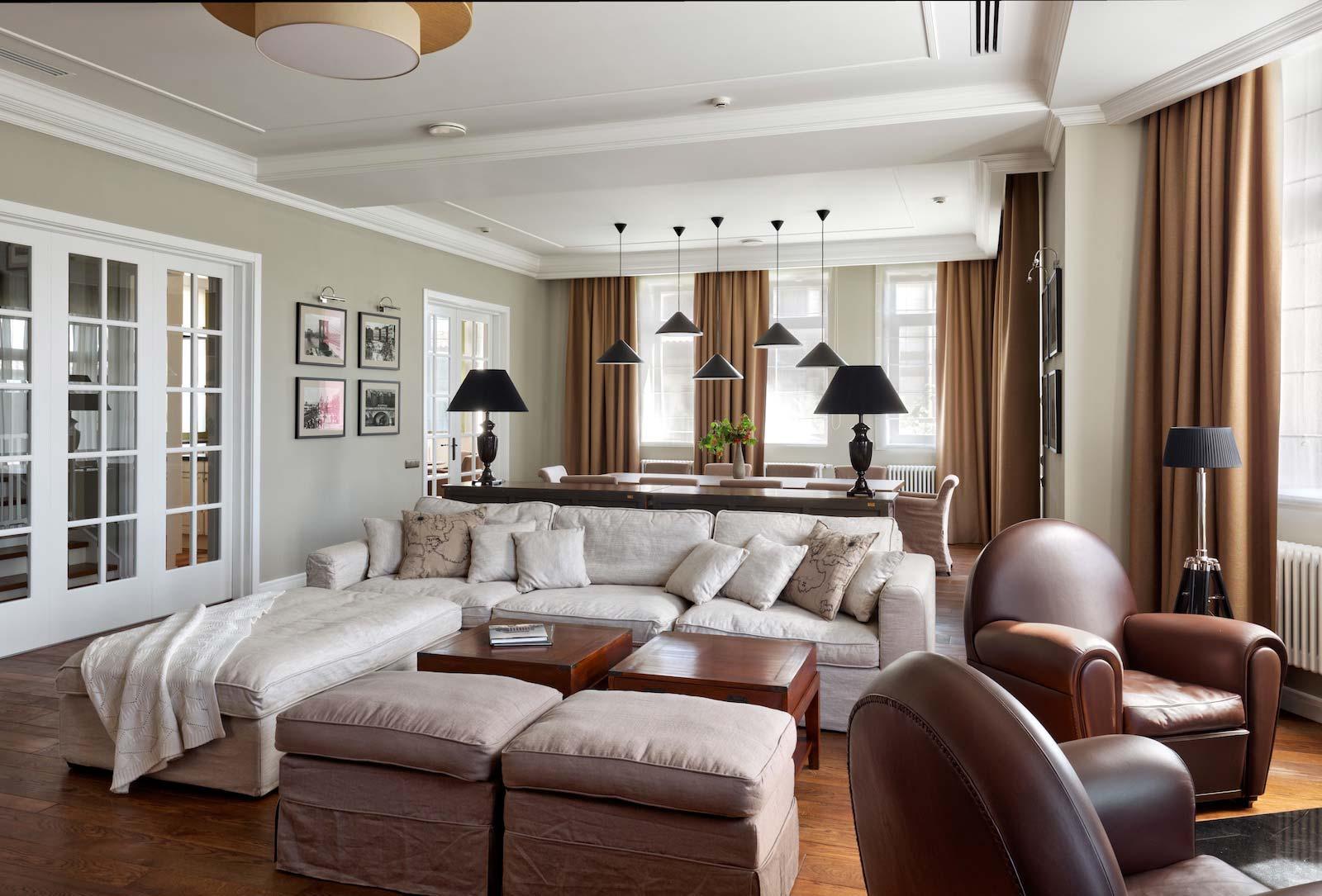 Interni Case Stile Inglese : Porte in stile inglese per una casa new classic u2022 garofoli