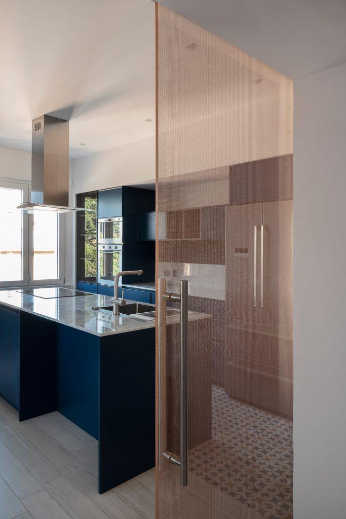 Ristrutturare un attico con porte scorrevoli in vetro for Porte scorrevoli in vetro garofoli