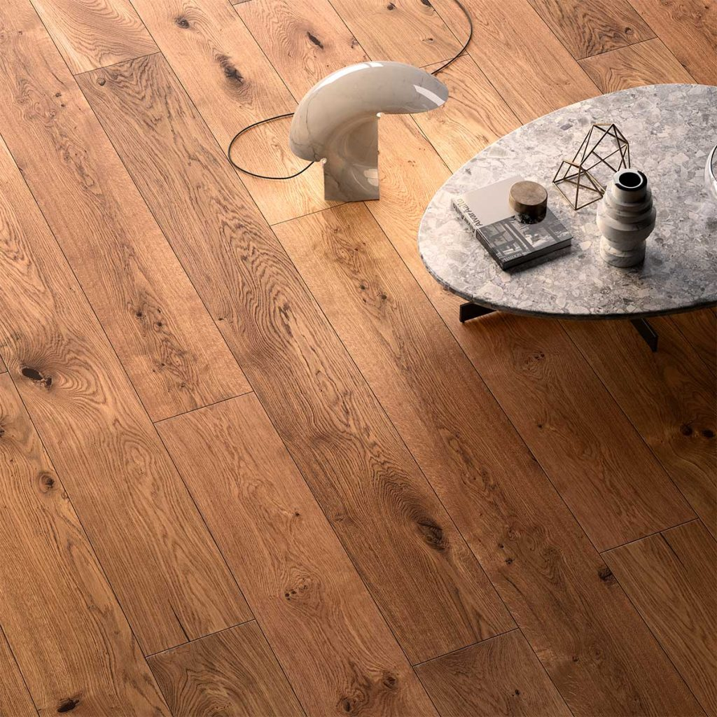 Pavimento in legno con nodi Garofoli